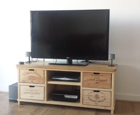 Tv stand bois rustique for Table tv bois