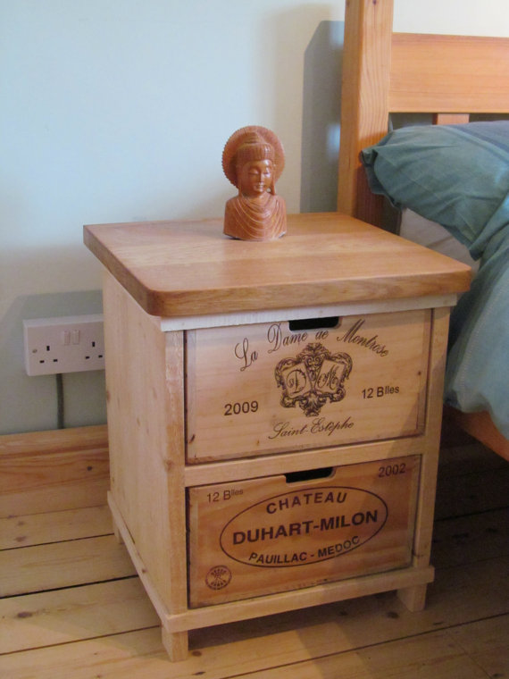 Wine crate side table latest wine crate table wine crate for Wooden crate bedside table